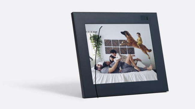 Aura Frames Digital Picture Frame